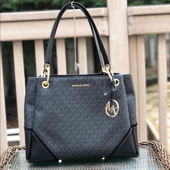 d04ff0b626c7 Michael kors Nicole Large shoulder tote bag black. NWT